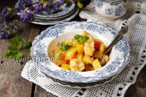 Рагу из кабачка и цветной капусты в мультиварке