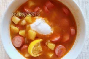 Быстрый томатный суп с сосисками
