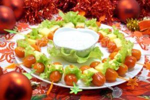 Канапе «Рождественский венок»